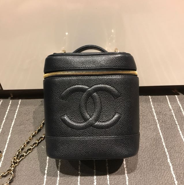 c6e7d940838e78 Chanel vintage vanity case, Luxury, Bags & Wallets on Carousell