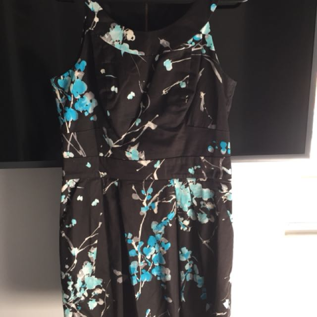 Cue dress - size 10