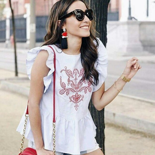 Embroidered top w/ ruffles