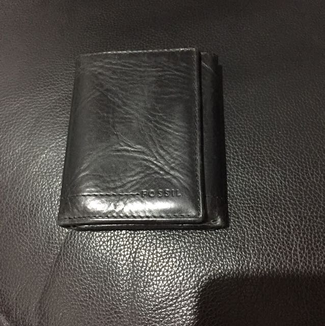 Fossil wallet like new