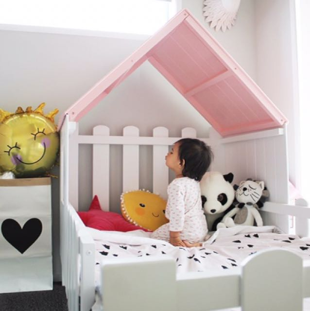 House Shape Kids Bed!