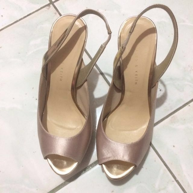 LAST CHANCE Further Reduced‼️🔺 Charles & Keith Flatform Heels