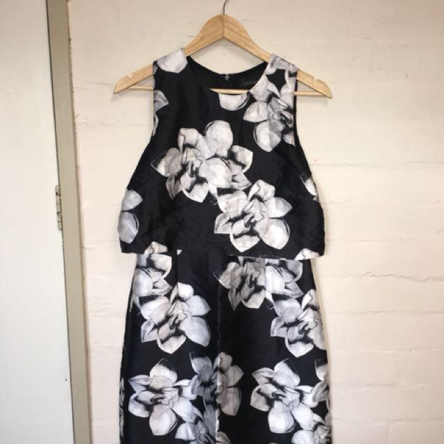 Levora Dress