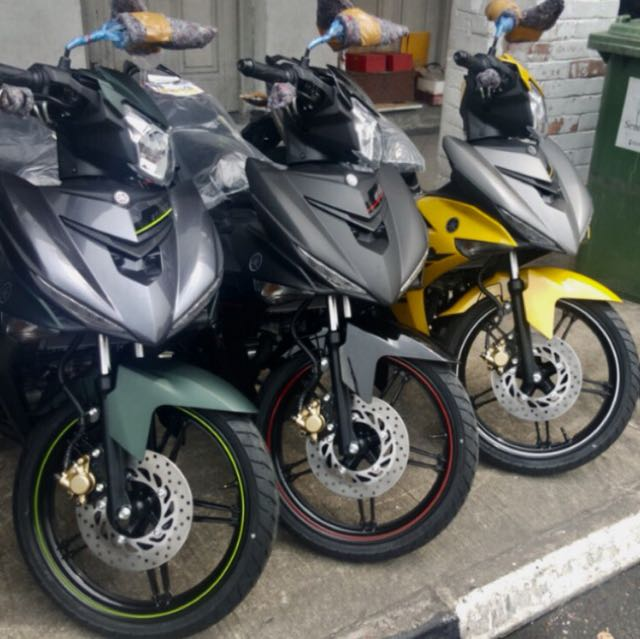 "Looking for ""Yamaha sniper 150 coverset"" Green /Yellow"