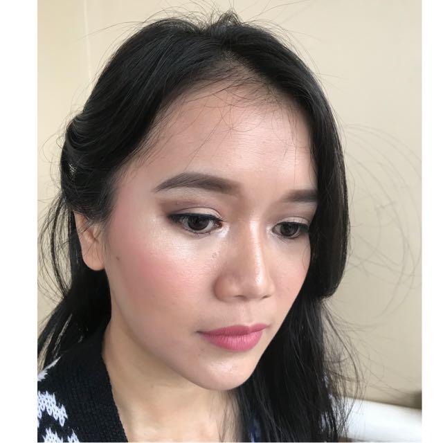 Makeup Wisuda,lamaran,birthday,prawedding