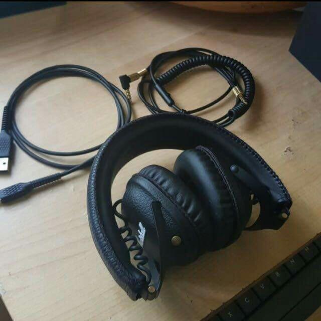 bcb8f3e9704 Marshall Mid Bluetooth Headphones, Electronics, Audio on Carousell