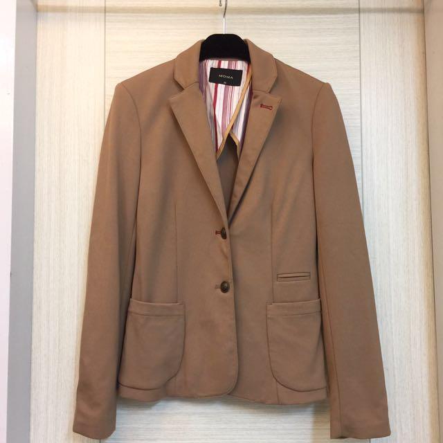 MOMA時尚駝色彈性料合身西裝外套-36