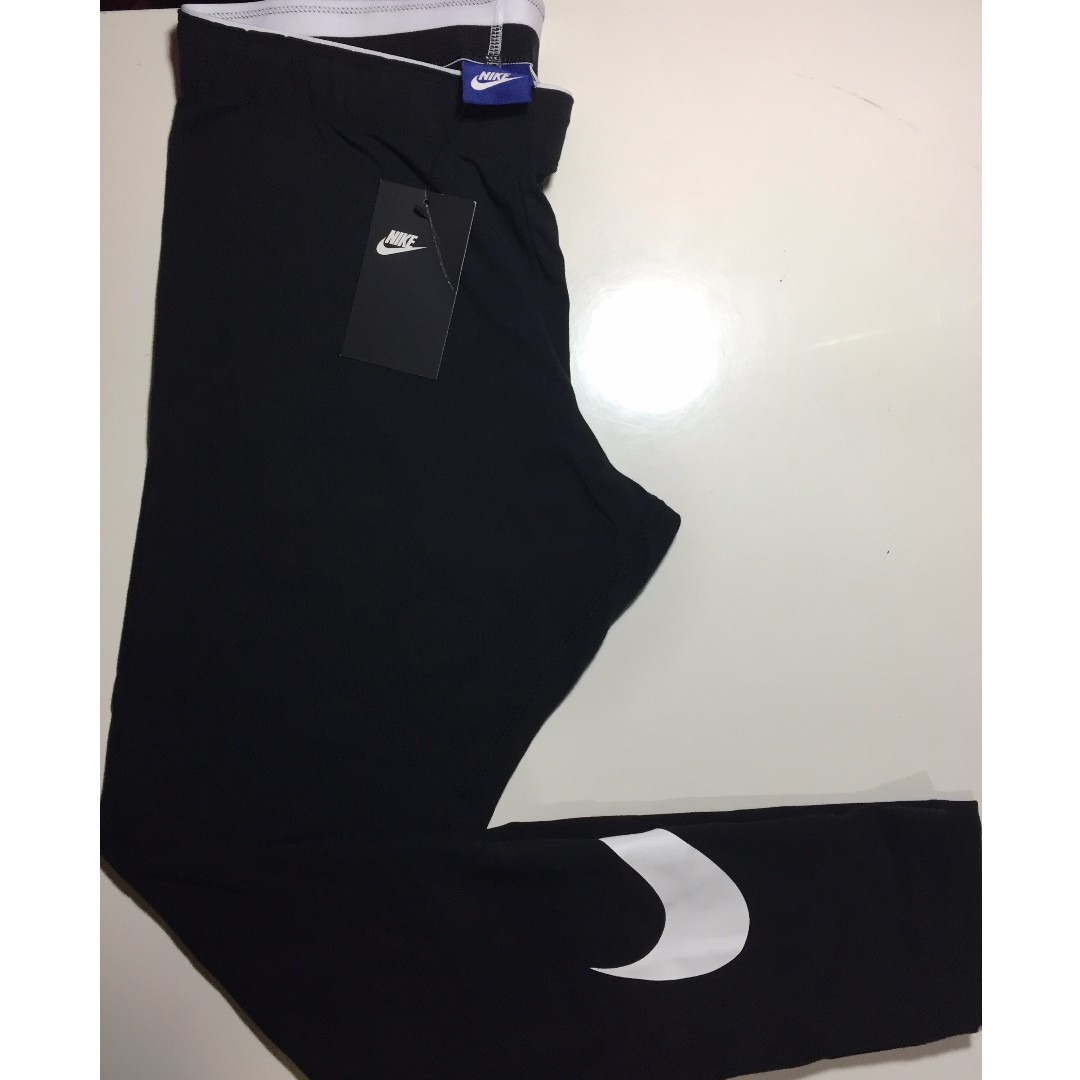 *NEW* Nike swoosh Leggings Size L