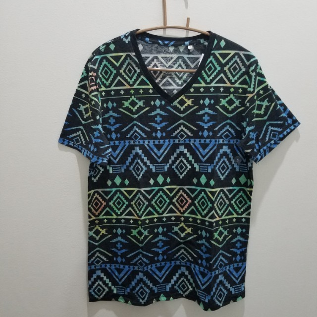 Pacsun Printed V-Neck Tee - Size S