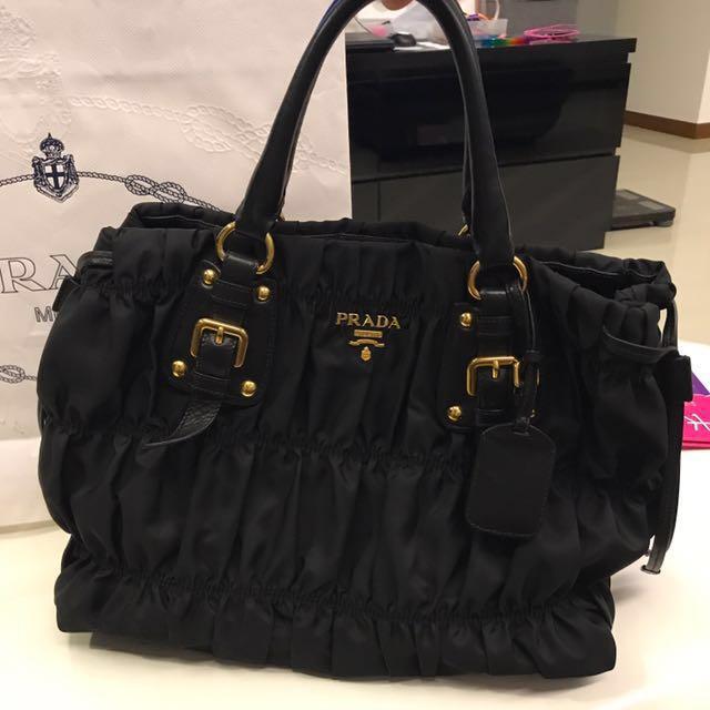... ireland pre loved prada tessuto gaufre tote bag bn1788 womens fashion bags  wallets on carousell c89fd af06340cf62f7