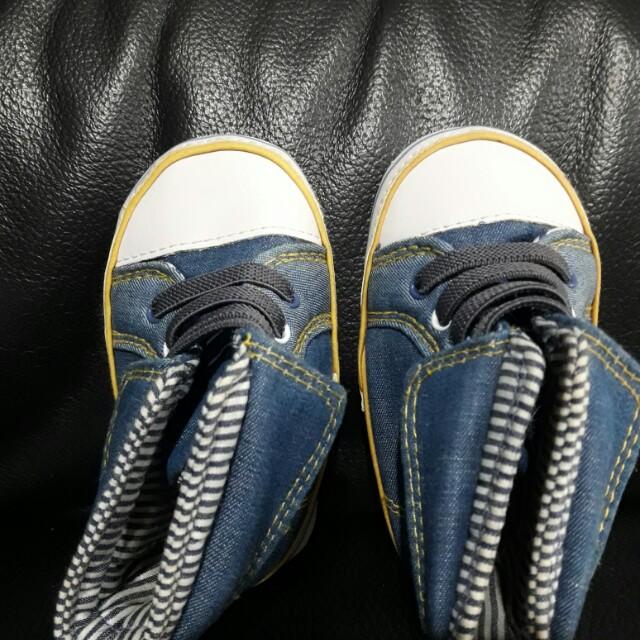 Sepatu anak laki mothercare
