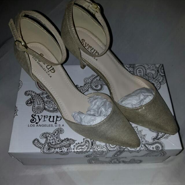 REPRICED! Size39 Gold Wedding Shoes