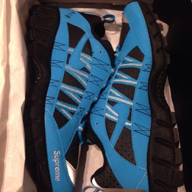 Supreme Nike Humara