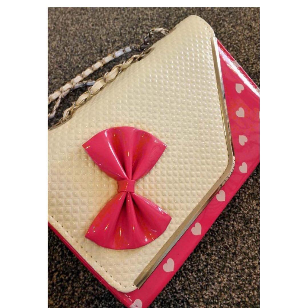 Sweetheart shoulder bag (pink & white hearts)