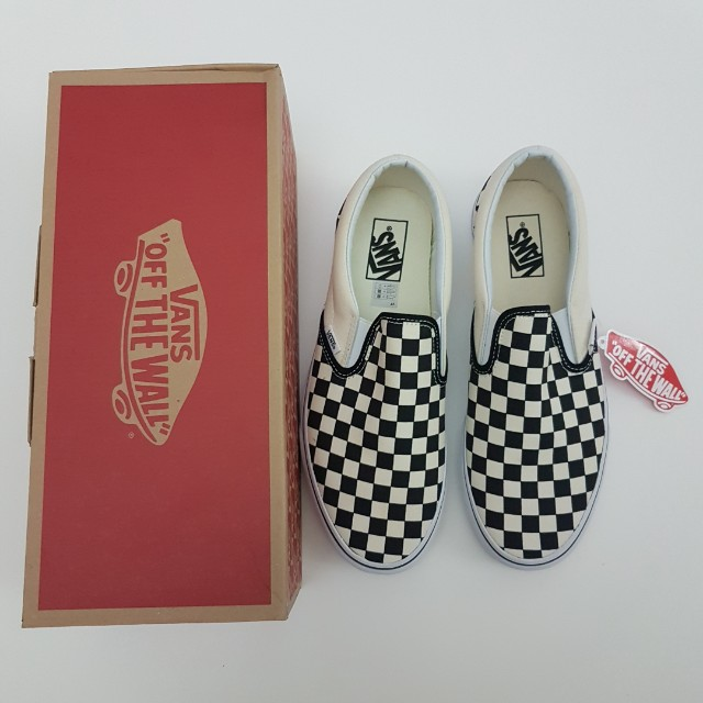 UK 8.5 Vans Classic Slip On Checkerboard