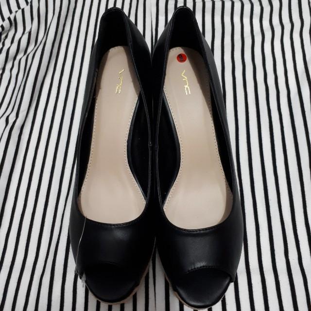 VNC Wedges Shoes size 40