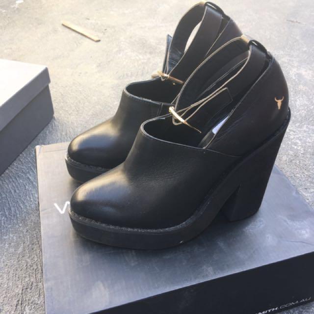 Windsor smith black booties size 5
