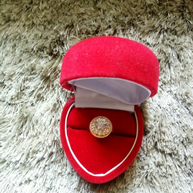 Xuping ring withbox