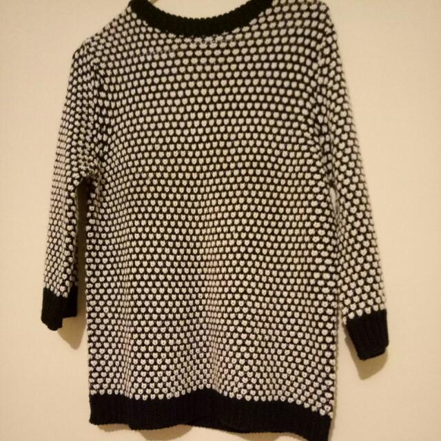 Zara size L sweater