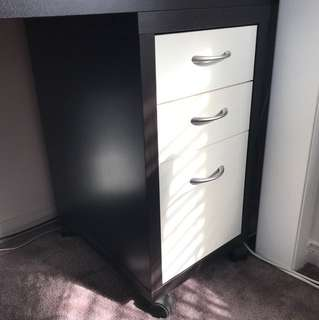 Desk drawer units
