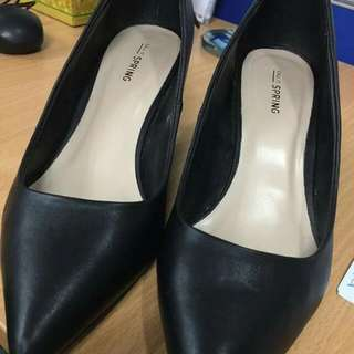 CALL IT SPRING BLACK HEELS Size9