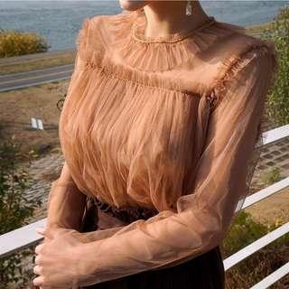 新色登場✨ 獨特設計款小優雅透膚雪紡上衣 blouse ( CHUU 官網預購 ) 甜美 皺摺 百搭 內搭 襯衫 長袖