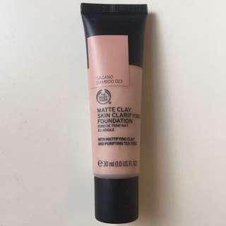 The Body Shop Matte Clay Skin Clarifying Foundation - Bamboo 023