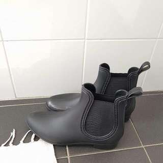 BN Chelsea Boots