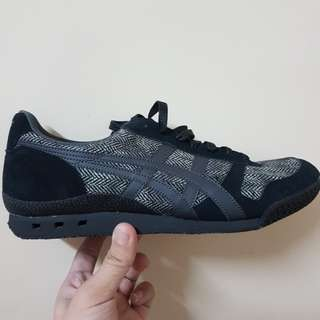 Onitsuka Tiger Ultimate 81 (Black/Dark Grey)