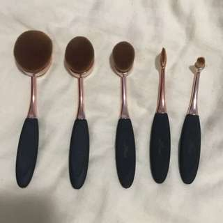 PRICE REDUCED - oval brushes