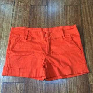 Clana pendek orange