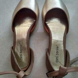 Sepatu merk carol brenner