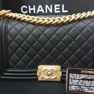 Chanel Le Boy caviar old medium