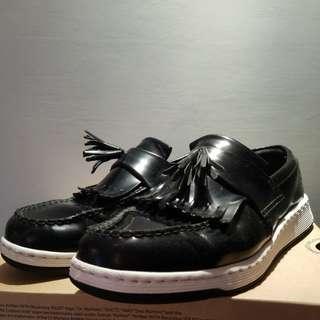 Dr. marten US11/EUR44 Airwair/Softwair Comfort Footbed流蘇鞋(割愛之選)