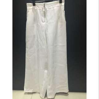 White cullotes