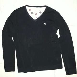 black knitted pullover sweater