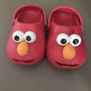 Sesame Street elmo croc sz 8