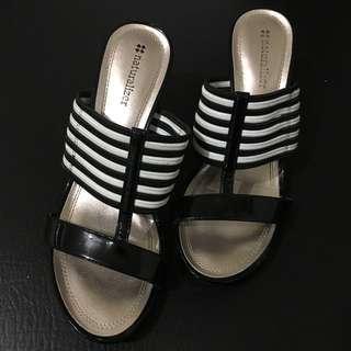 Naturalizer Wedge sandals