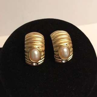 Authentic vintage Alfred Sung faux pearl earrings