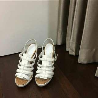 Sepatu charles n keith