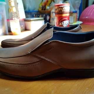 Sepatu Vantopel Hush Puppies Coklat
