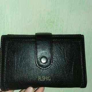 Dompet flashy warna hitam