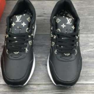 Louis Vuitton Supreme Edition Nike Air max !!