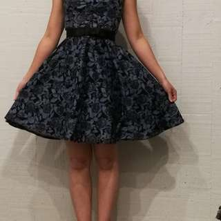 Dark blue dress (size 4) Pagani