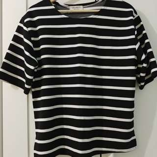 Oversized striped tshirt