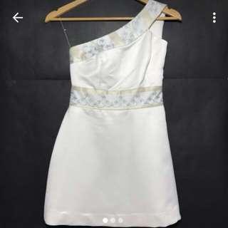 WHITE CUSTOM DRESS NETT!