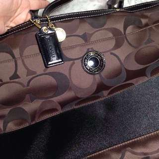 💯☑️ Authentic Coach shoulder/sling bag