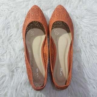 Sepatu Flat Shoes size 10 / size 42 merk  VnC