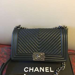 Boy Chanel flap bag (navy blue) medium