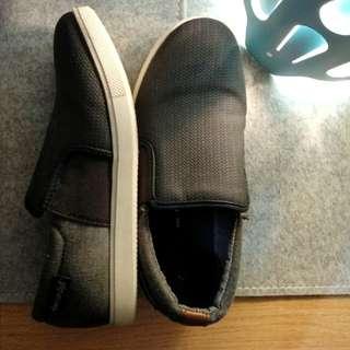 Sepatu American Eagle Boy size 2 (33)